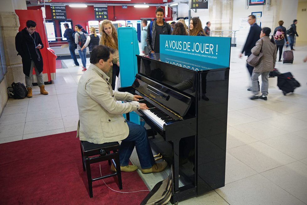 Free to play piano